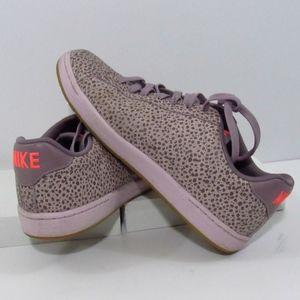 Nike Women's Tennis Classic Sneakers 9